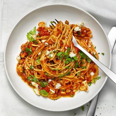 pasta med tomatsås och fetaost