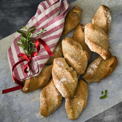 Juliga kuvertbröd med glögg och rotfruktsmjöl